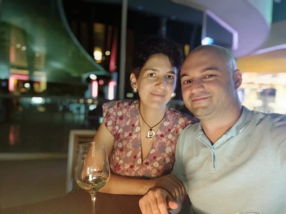Raúl y Alicia cenando